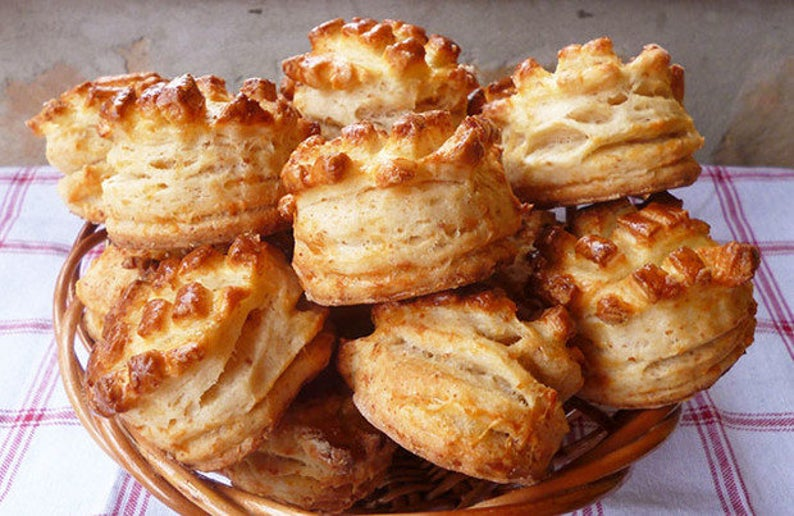 Cheese and bacon Crackling biscuits