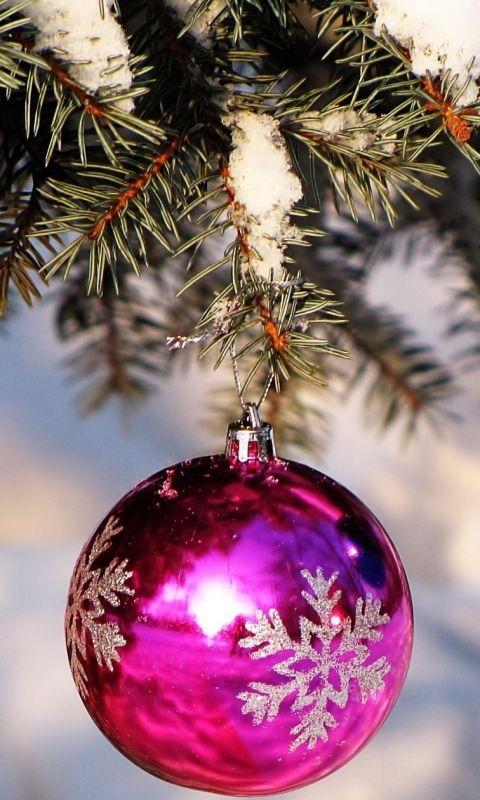 Christmas tree ball wallpaper