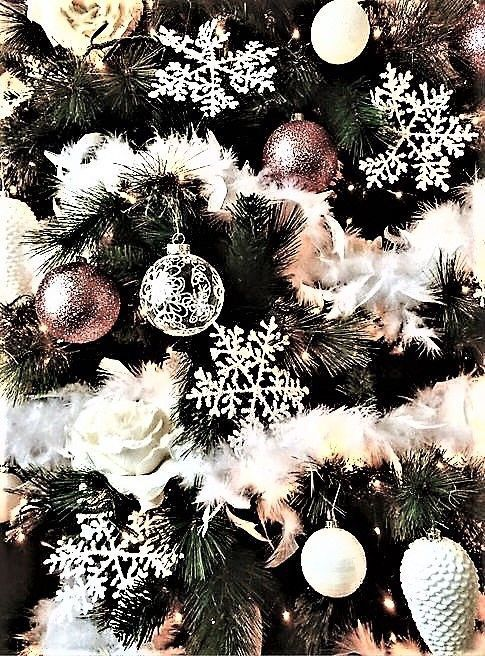 Christmas wallpaper aesthetics for iPhone background