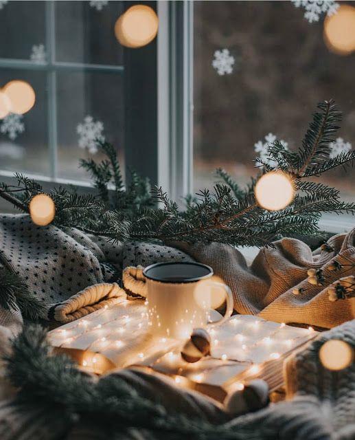 Cosy Christmas aesthetic wallpaper