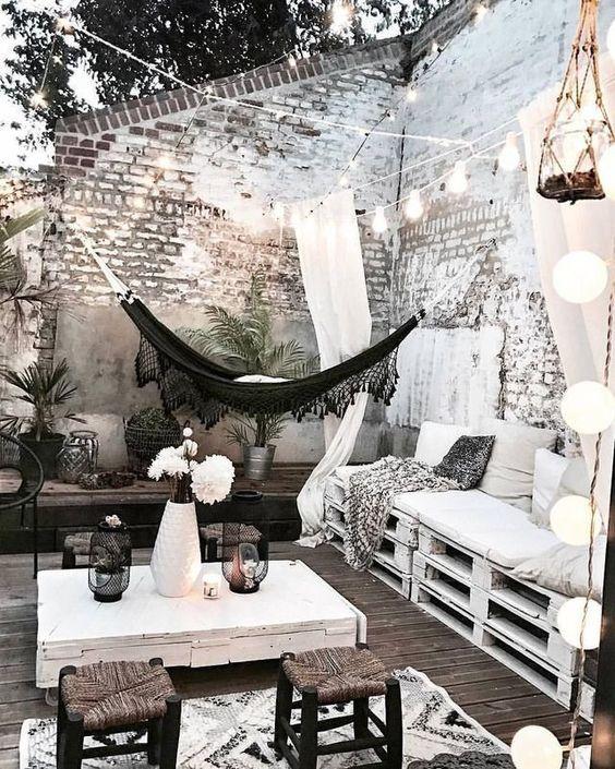 Cozy scandinavian backyard decor and lights