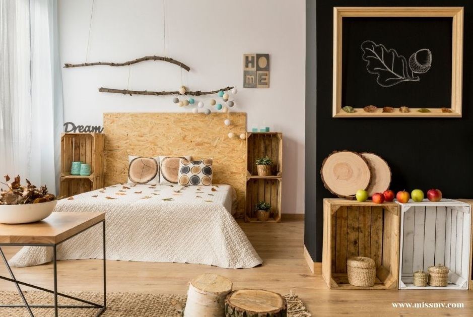 Create a dreamy boho bedroom decor with recycled wooden crates