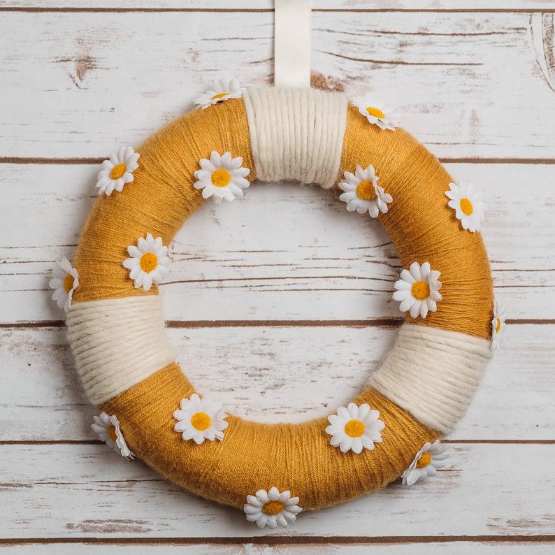 Daisies handmade summer wreath