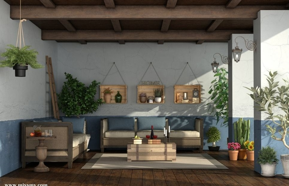 Decorate the patio with wooden crates