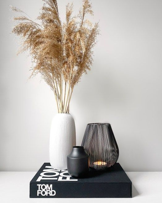Dried pampas with designer book for coffee table