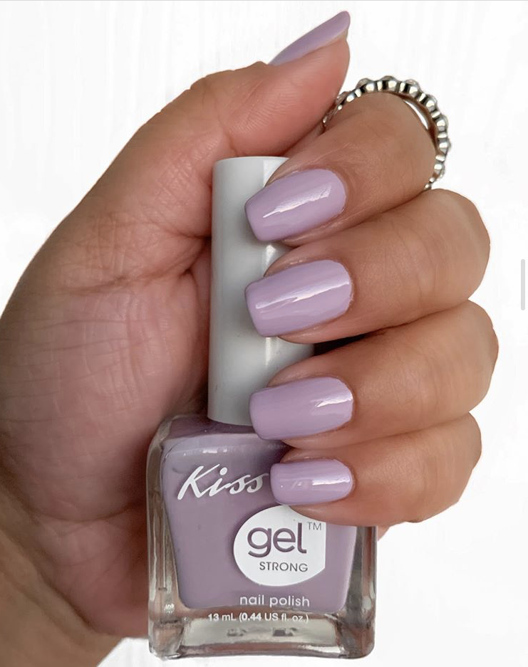 Dusted purple gel nails