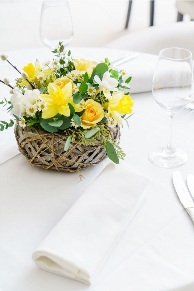 Floral arrangement centerpiece