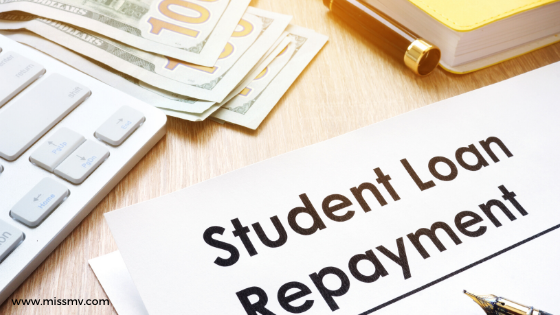 How to pay off a student loan early and jobs you can do to save money while you still at Uni.