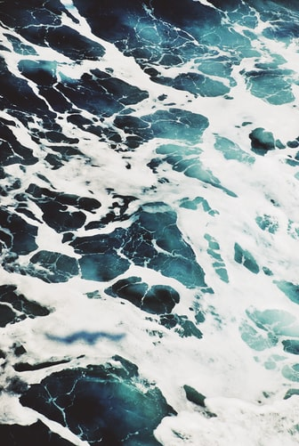 Ocean foam summer wallpaper free to download
