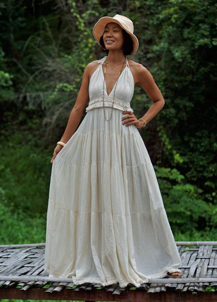 Off White Sleeveless and Backless Long Dress for Summer