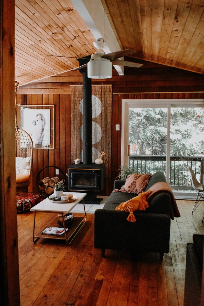 Pack your bags and  get ready for a weekend holiday in the cosiest mountain cabin