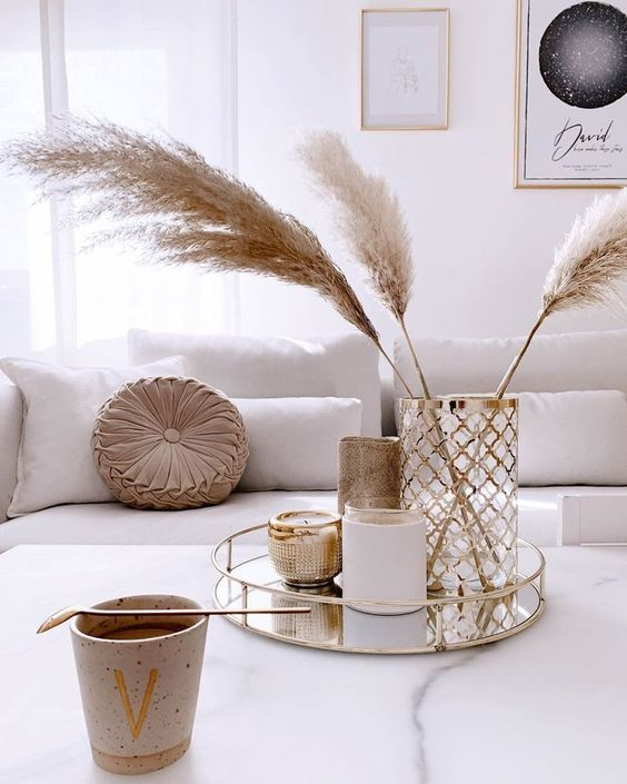Pampas for decorating a coffee table