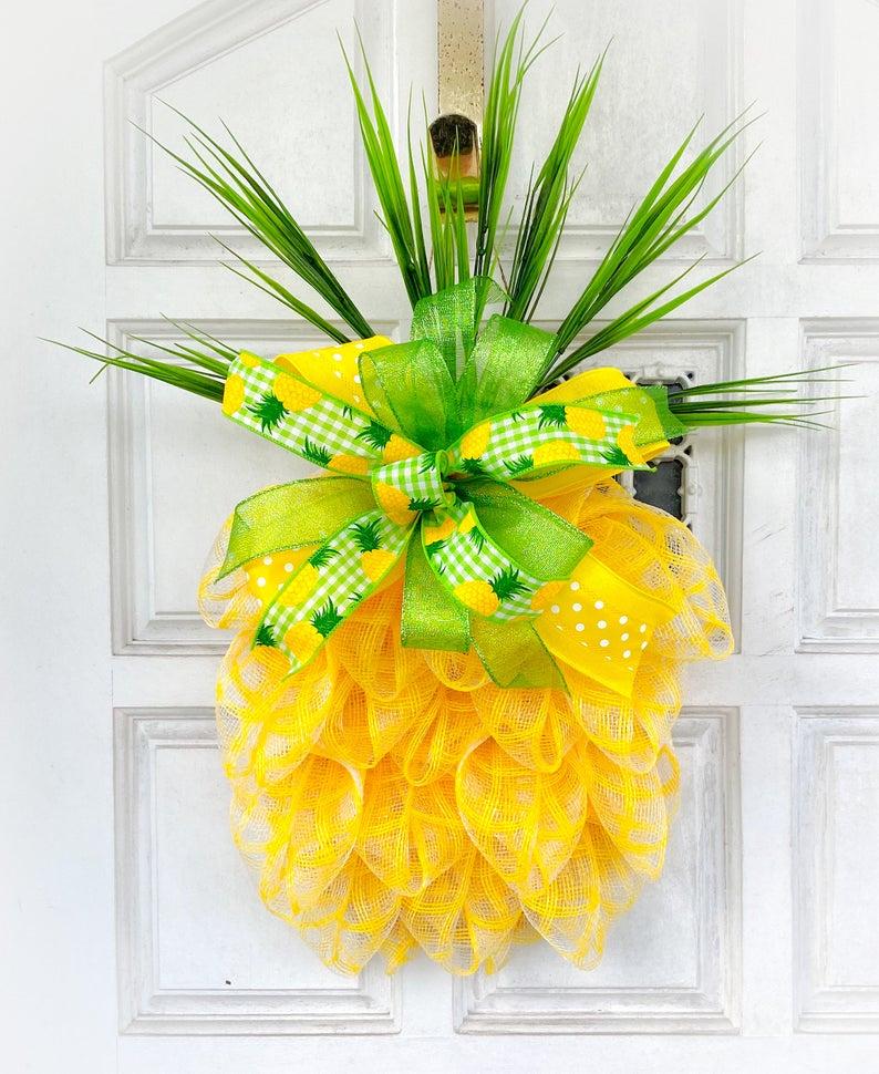 Pineapple summer wreath