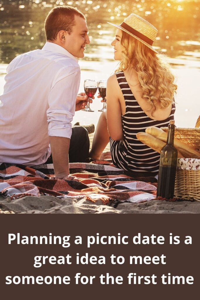 Planning a picnic date is a great idea to meet someone for the first time
