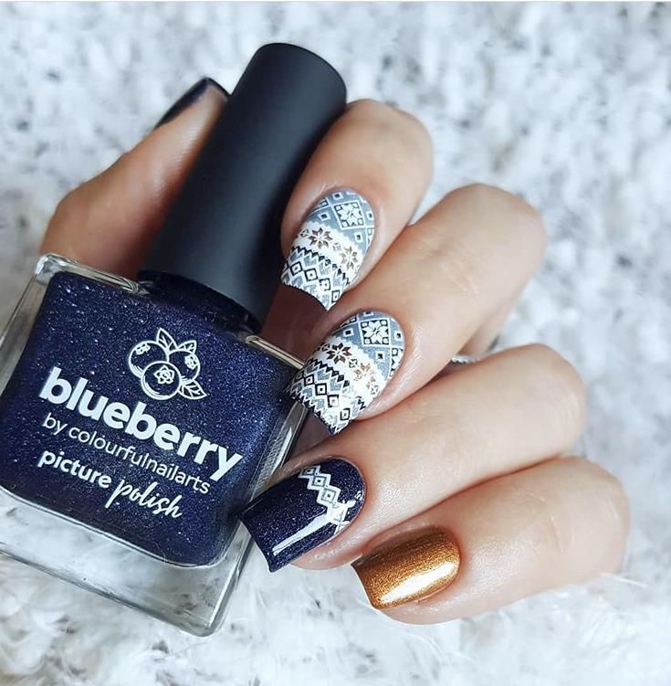 Pretty winter nail gel  design