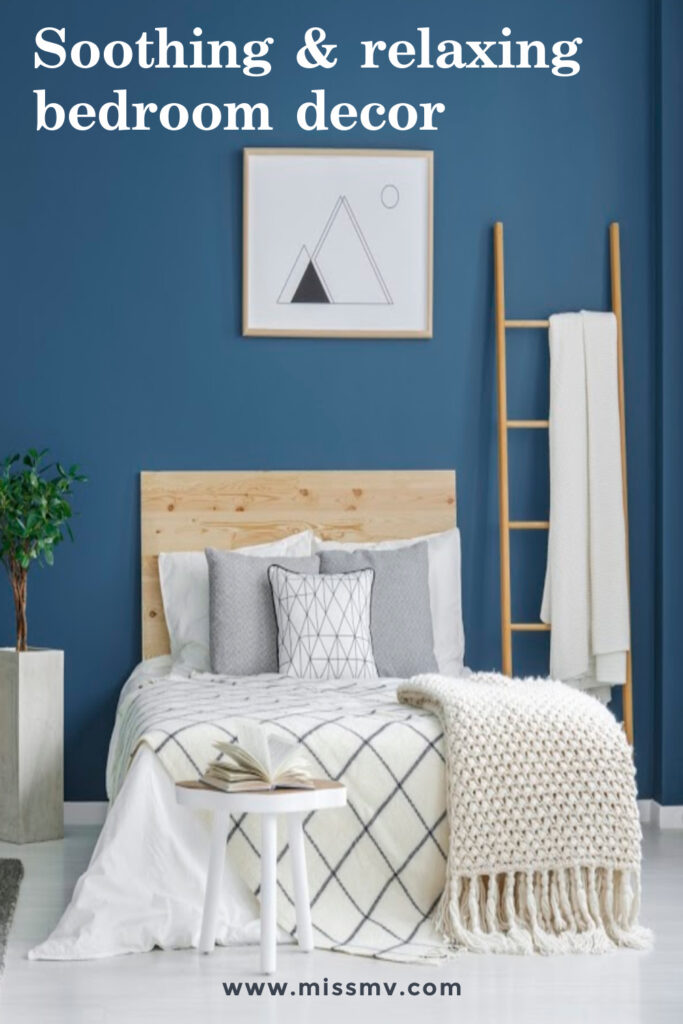 Soothing and relaxing bedroom blue bedroom decor.