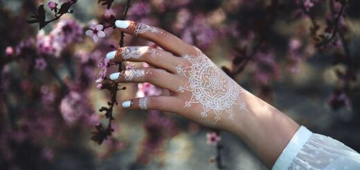 Stylish henna tattoo designs ideas that will upgrade your look