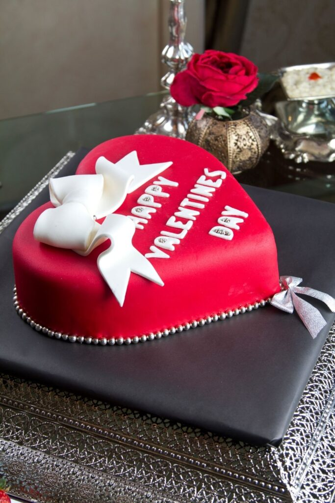 Valentines Day red fondant heart shape cake decorating inspiration