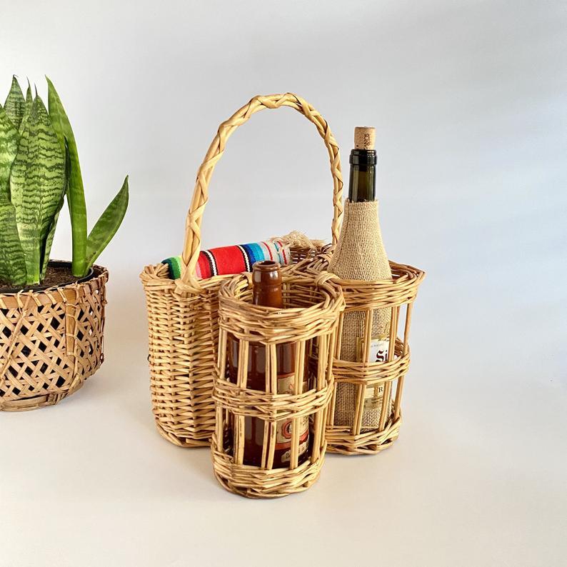 Vintage Wicker Picnic Basket with 2 Bottle Holders