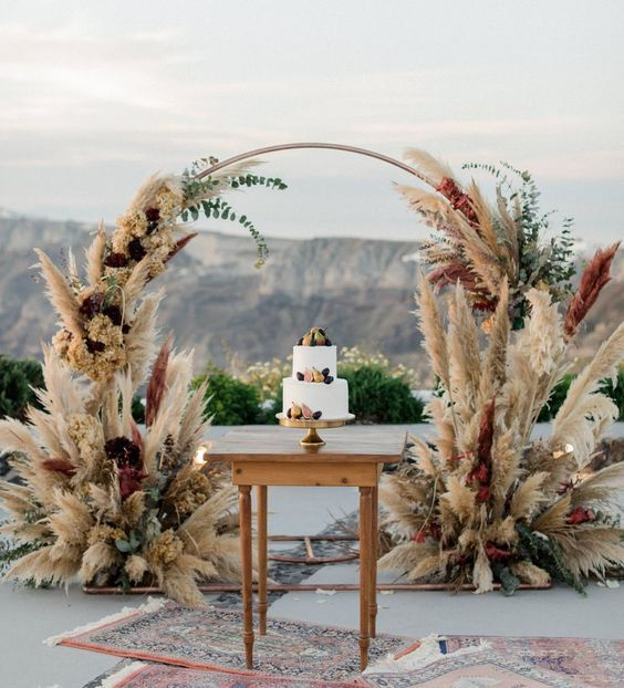 Wedding decor arch with pampas grass