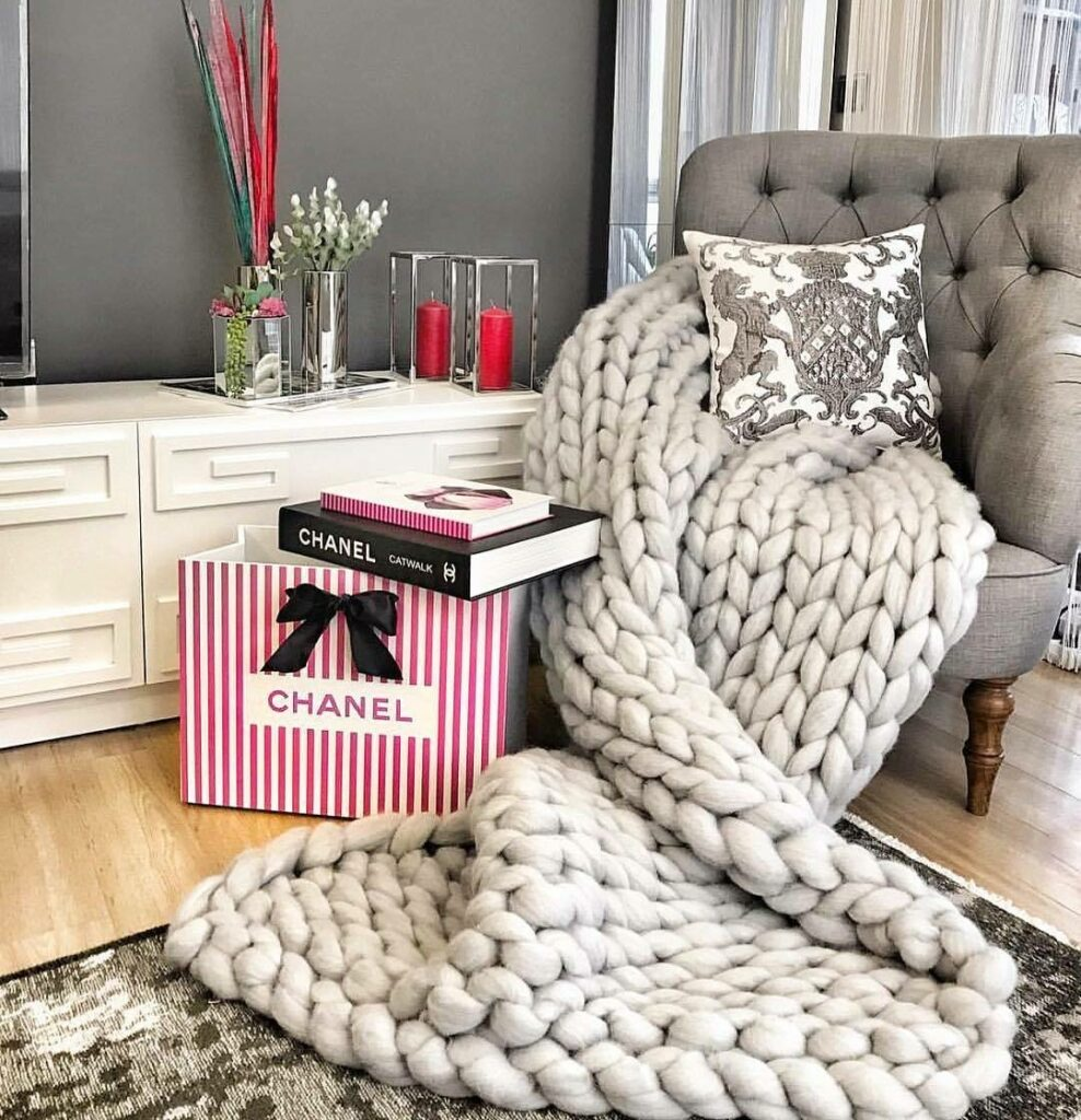Luxury chunky knitted blanket