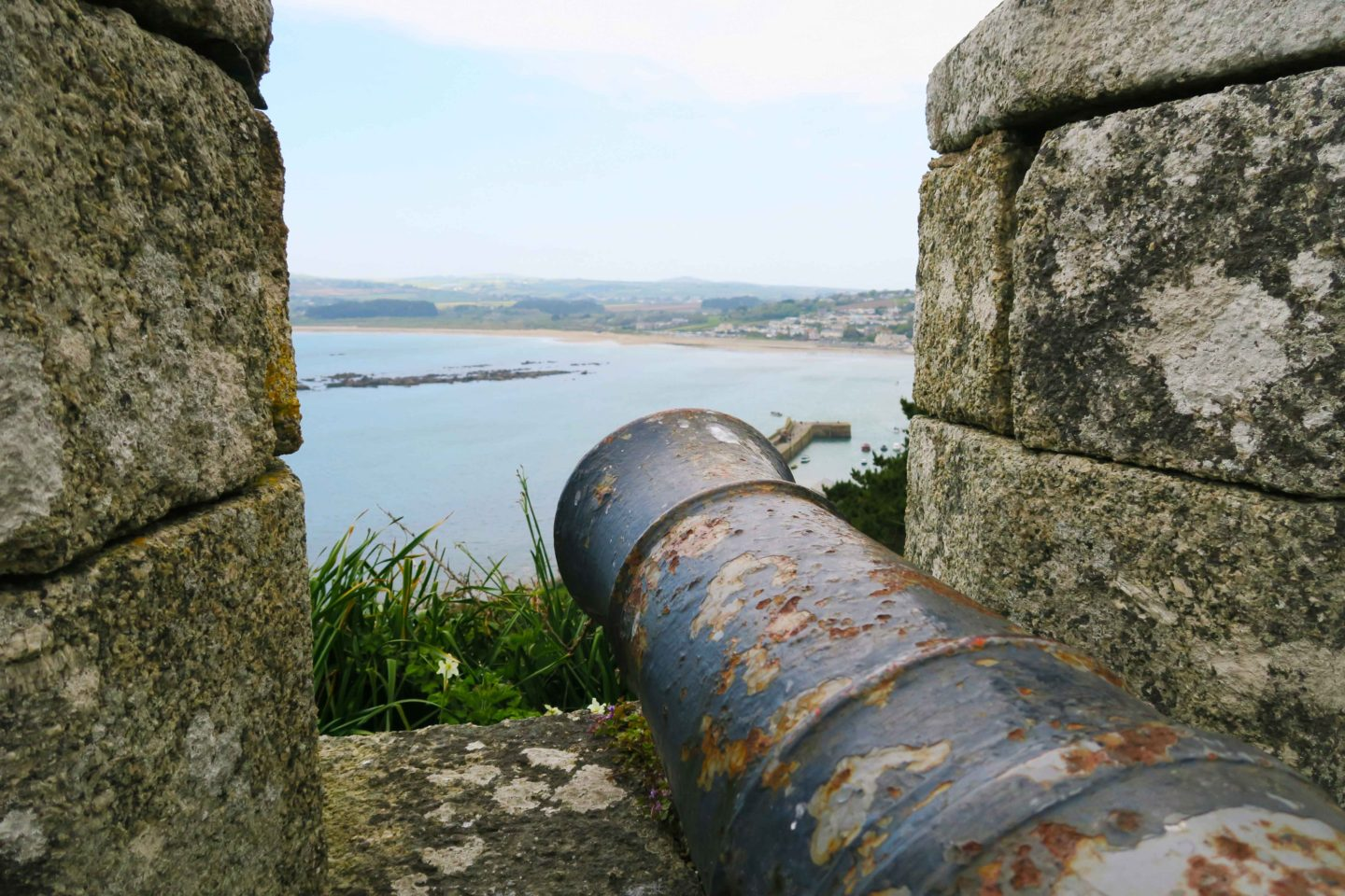 st michaels mount cannon in cornwall