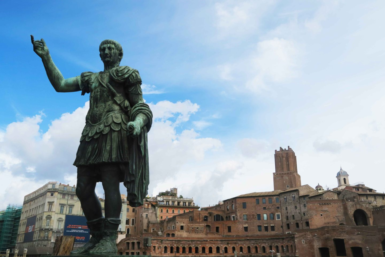 ceasar statue in rome