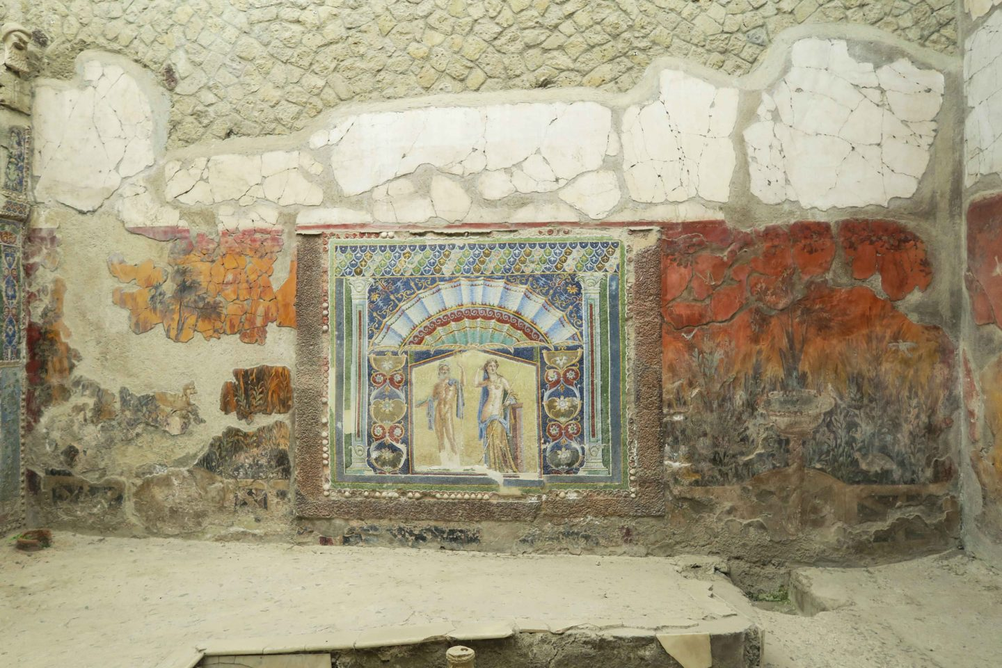 herculaneum archeological mural