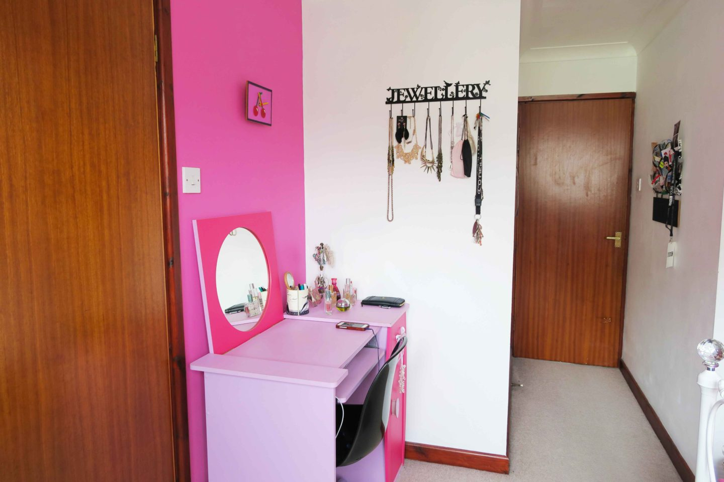 hot pink teenage bedroom