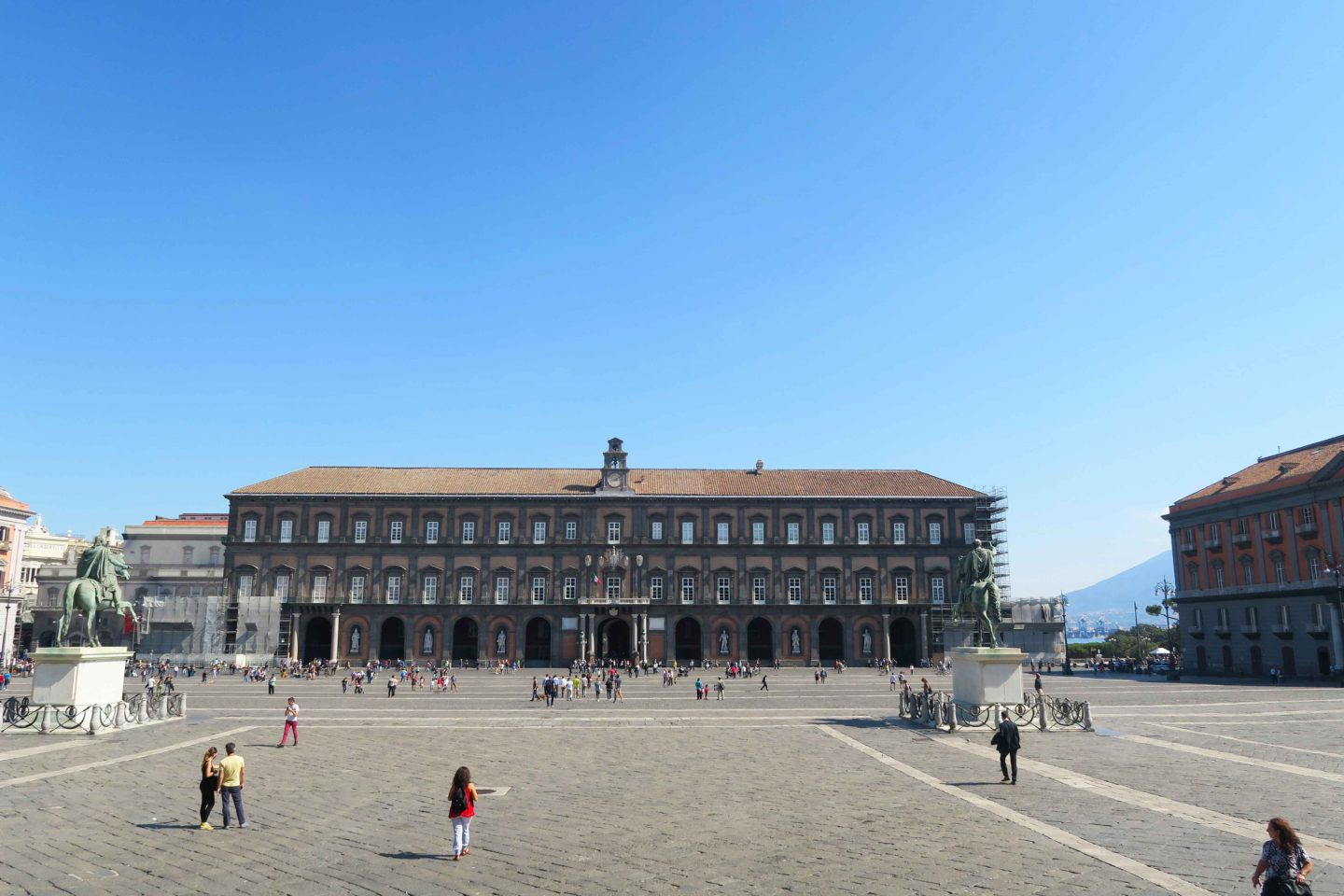 royal palace of naples square