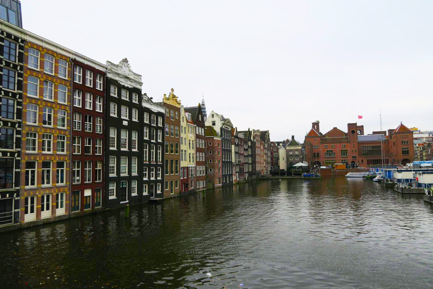 amsterdam houses on canal