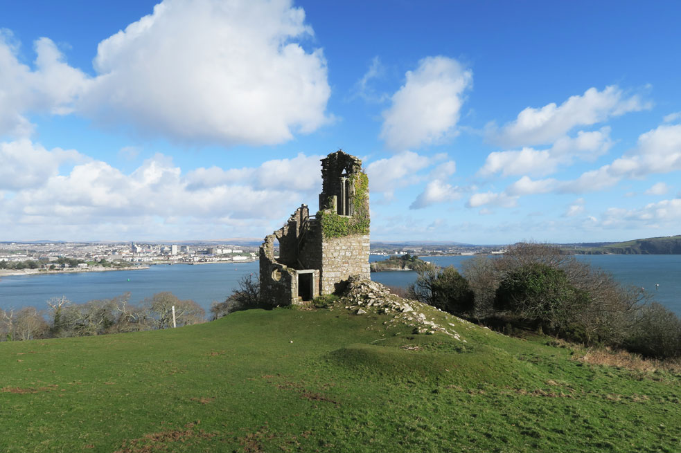mount edgcumbe ruins in cornwall