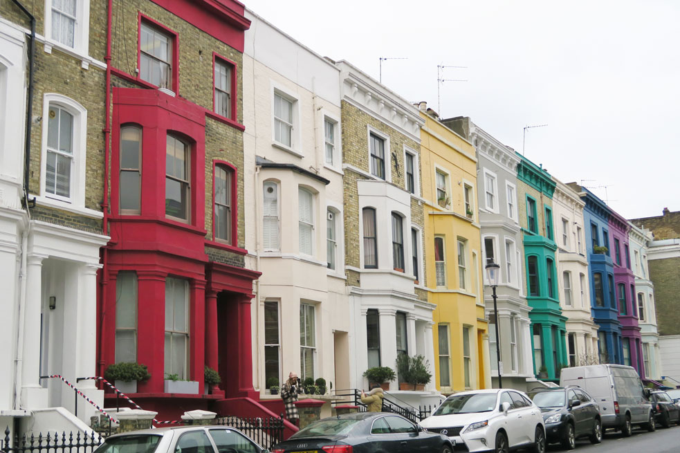 notting hill colourful houses in london