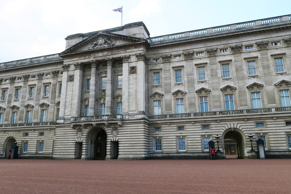 buckingham palace queen is in