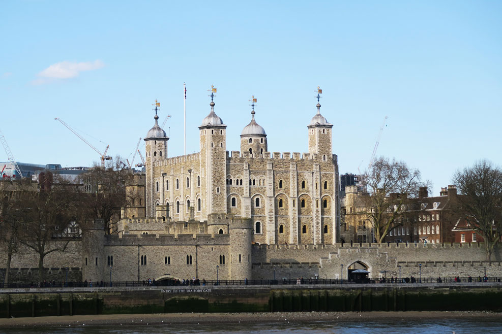 tower of london from london bridge