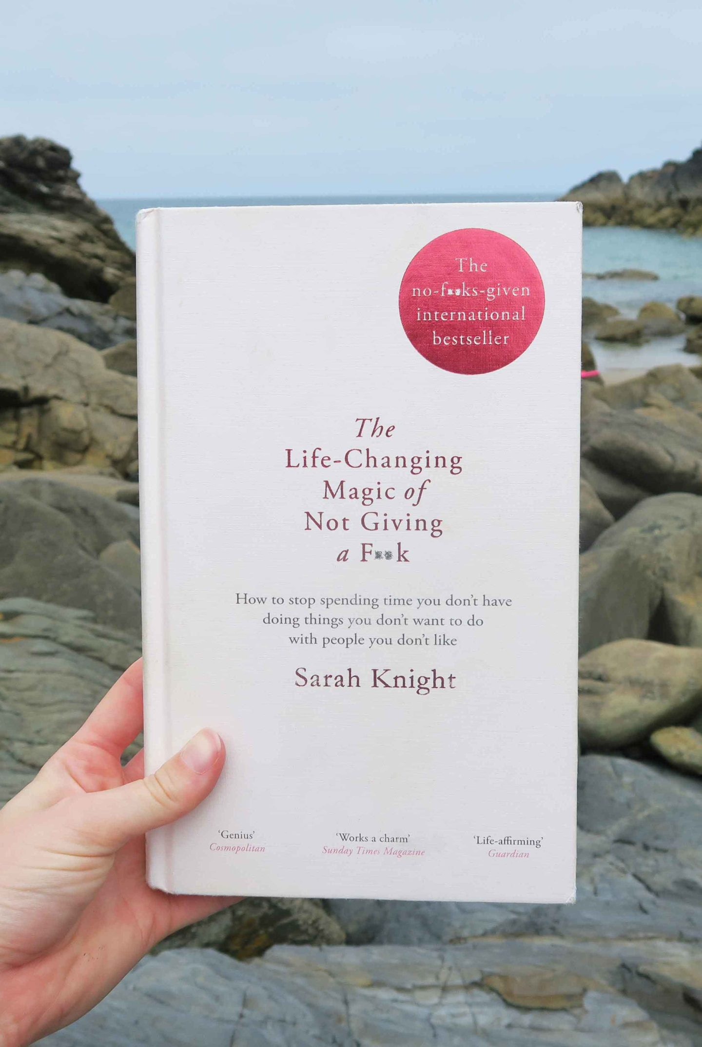 the life changing magic of not giving a fuck sarah knight self hel summer read