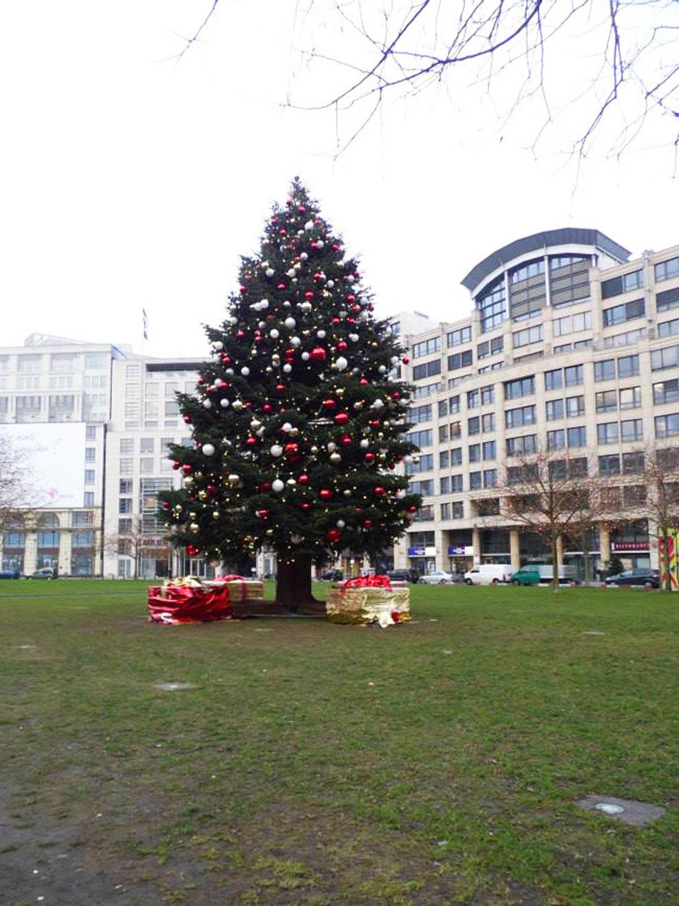 berlin giant christmas tree