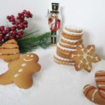 christmas-gingerbread-biscuits-decorated