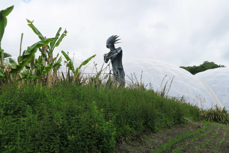 iron-statue-eden-projet-cornwall