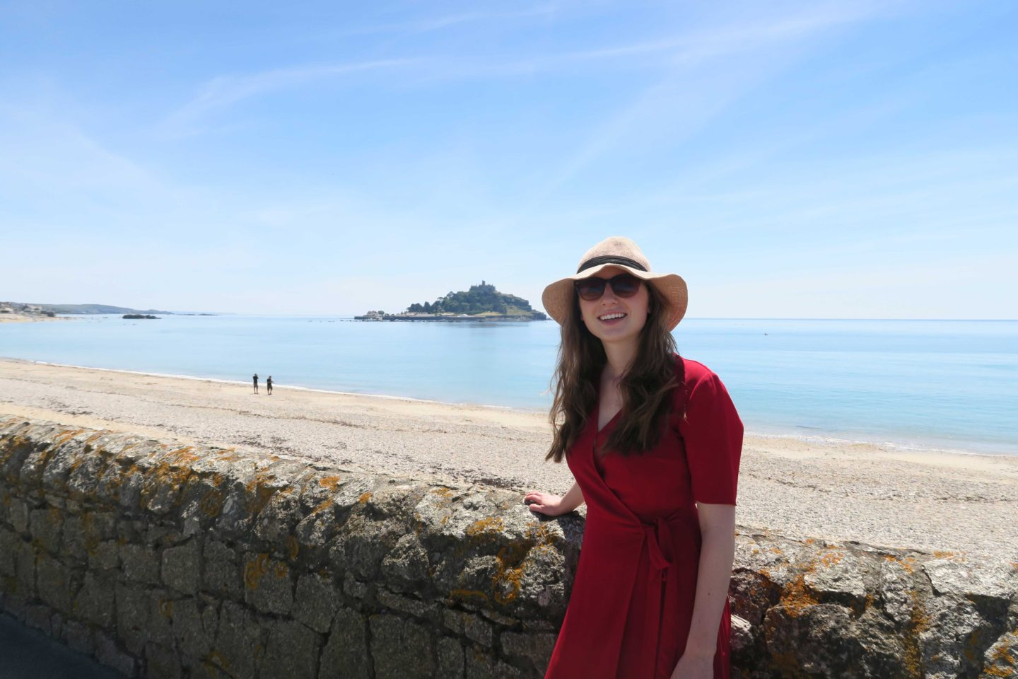 st-michaels-mount-girl-wearing-hat-cornwall