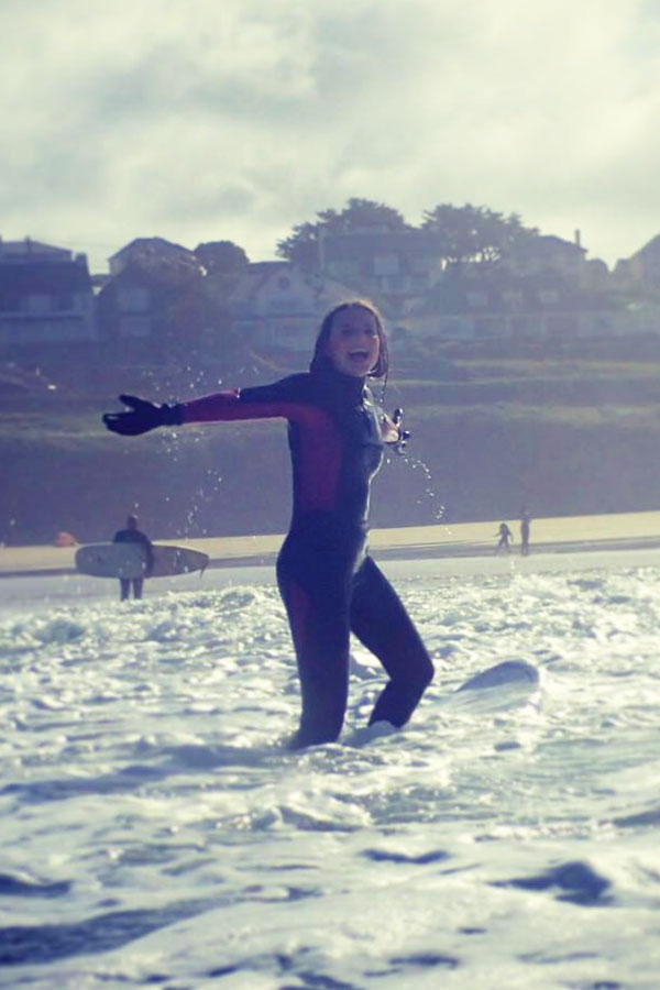 melissa carne surfing at polzeath in cornwall