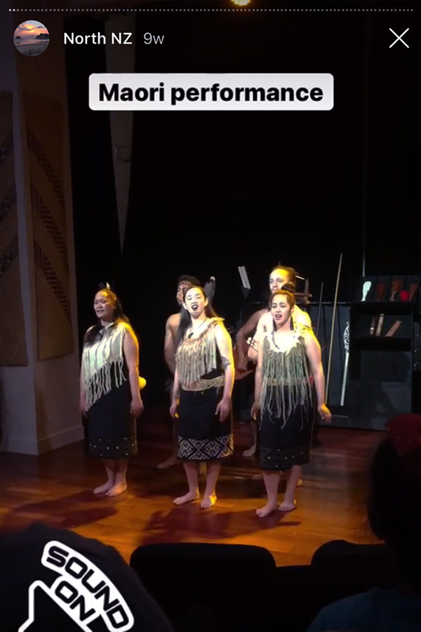 maori performance in auckland war memorial museum in new zealand