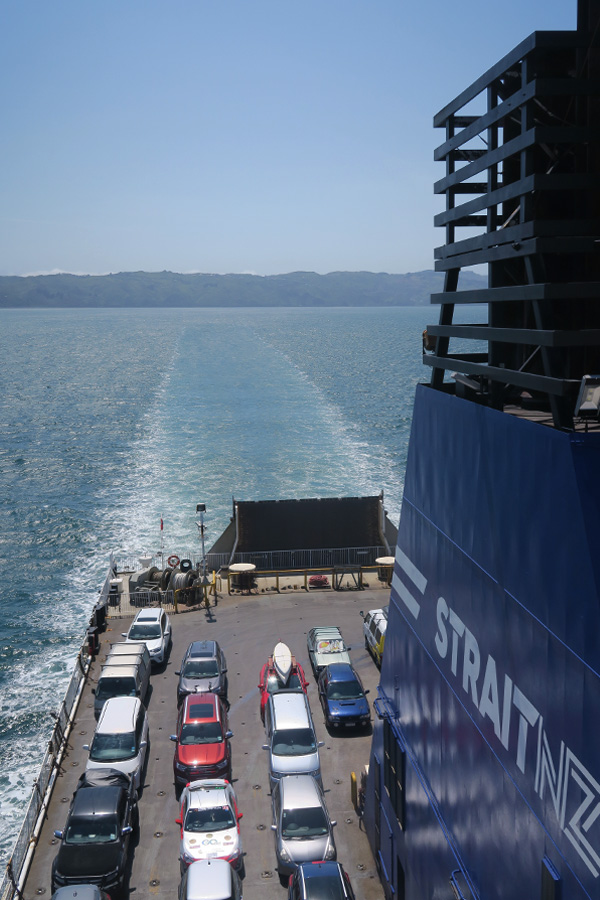ferry from wellington to picton in new zealand