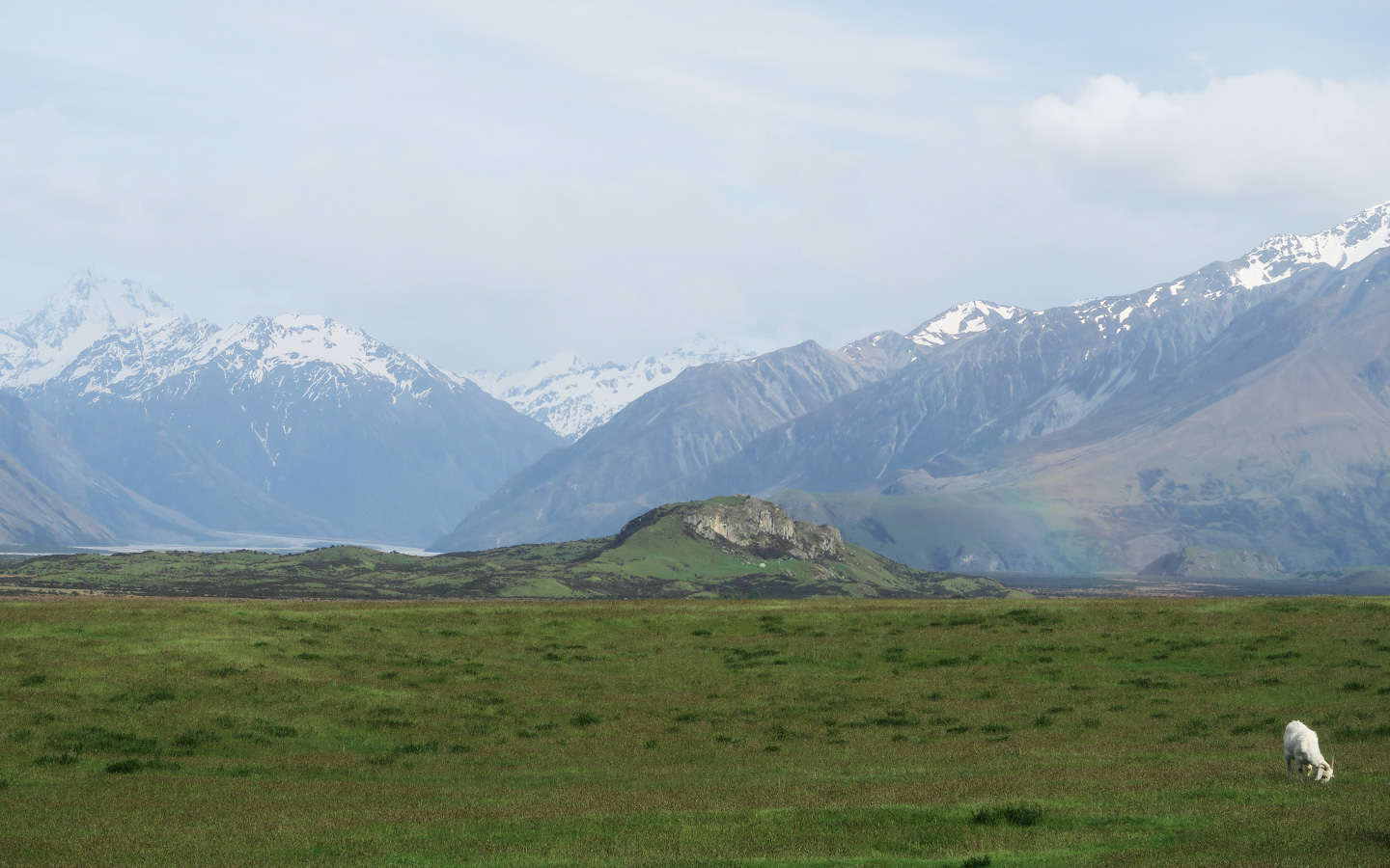 mount sunday used for the film location of edoras in lord of the rings