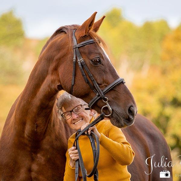 julia powney equestrain photographer in cornwall