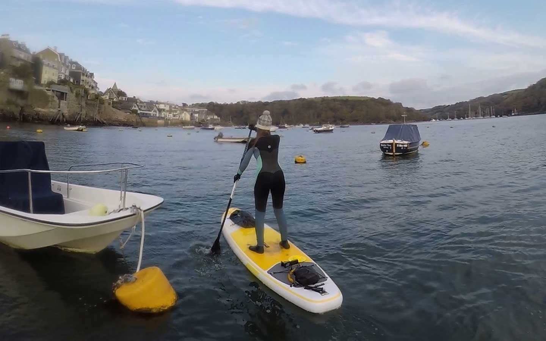 paddleboarding in fowey cornwall