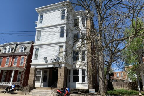 136 Broadway Ave