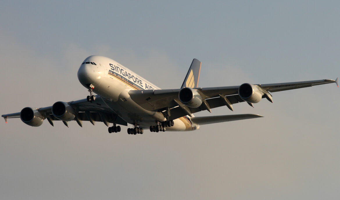 Singapore Airlines Group to eliminate 4,300 positions