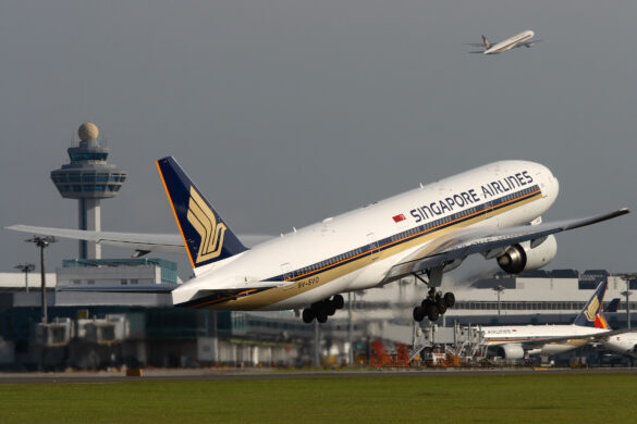 Singapore Airlines Boeing 777-200 aircraft
