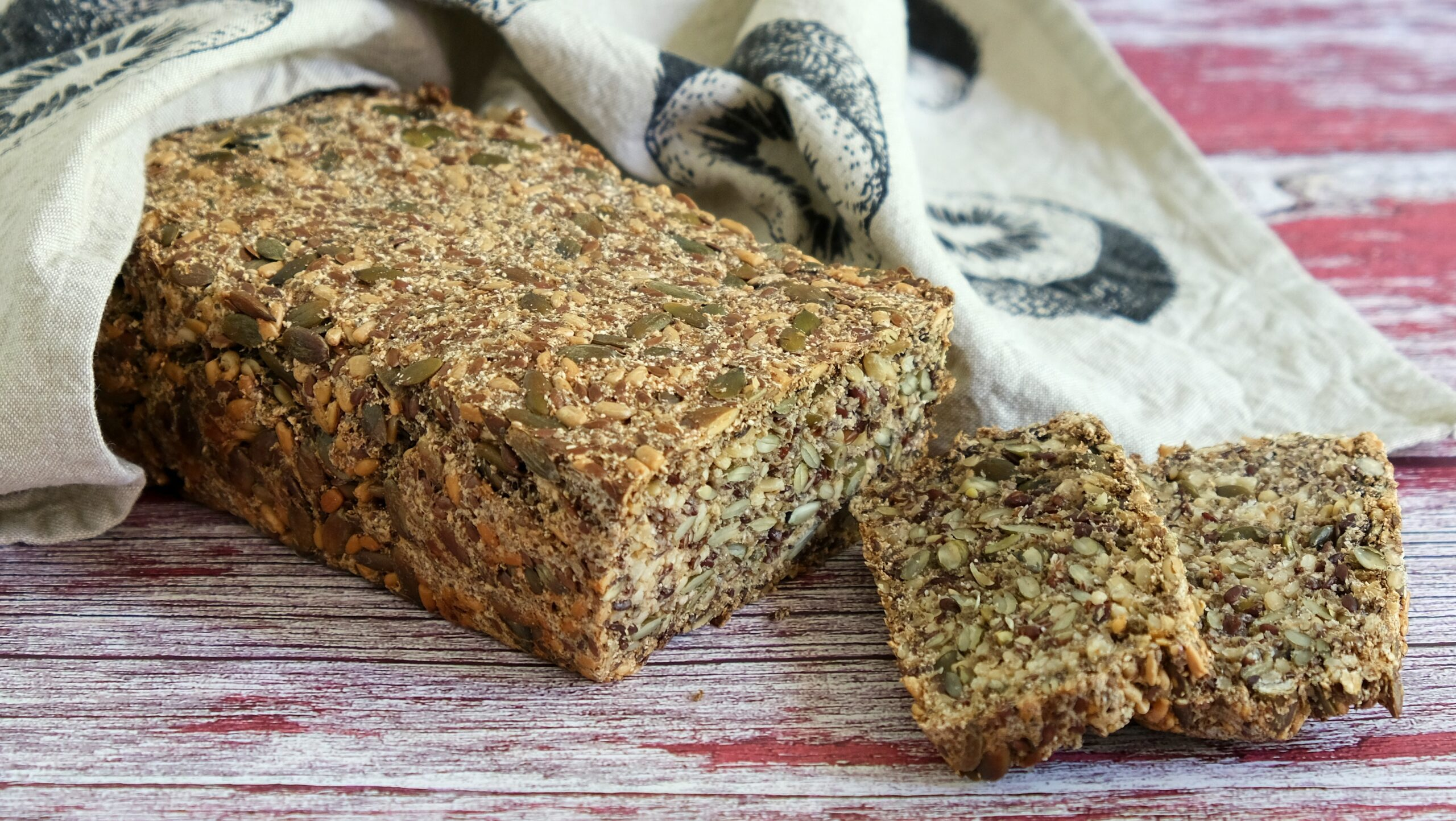 Egg & Nut-Free Seeded Bread (Paleo, Low Carb, Vegan)